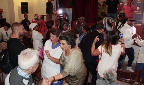 Jurados del Festival 2018 compartieron en Hogar Hermanitas de los Pobres