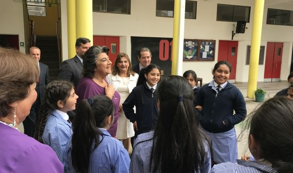 """Plan """"Regreso a clases seguro"""" informó alcaldesa Virgina Reginato en el primer día escolar"""