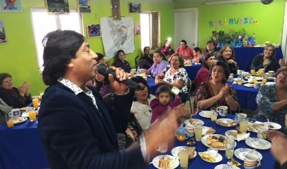 En campamento Manuel Bustos, alcaldesa Virginia Reginato participó en actividad de conmemoración del Día de la Mujer