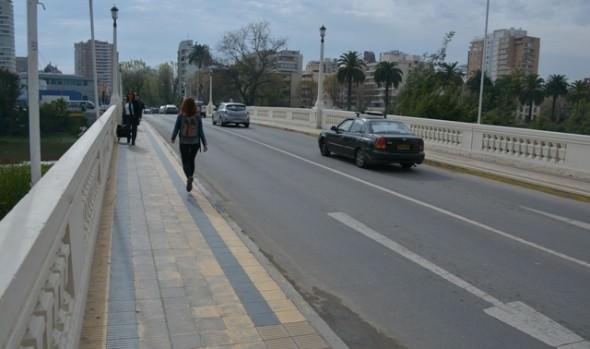Municipio de Viña del Mar mejorará las aceras en tres puentes
