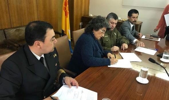 Municipio de Viña del Mar, Armada, Carabineros y PDI renuevan trabajo de cooperación para control de actividades