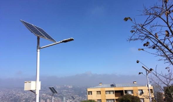 Inauguran obras de mejoramiento e instalación de paneles solares en condominio social El Raulí en Viña del Mar
