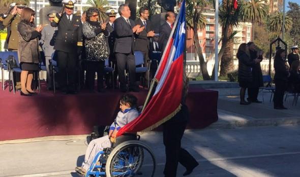 Desfile de estudiantes de Viña del Mar en homenaje a los héroes de Iquique y Armada encabezó alcaldesa Virginia Reginato
