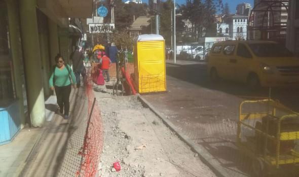 Municipio de Viña del Mar inició obras de reposición de aceras en calles céntricas de la comuna