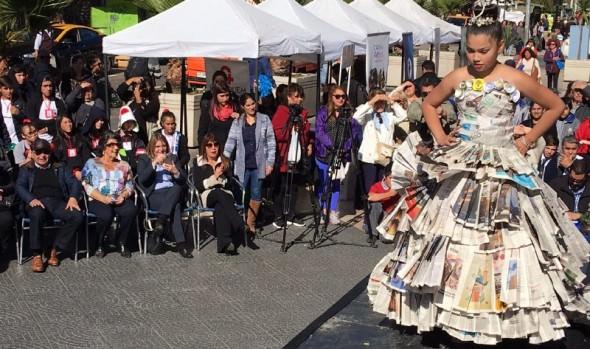Municipio de Viña del Mar conmemoró el Día Mundial del reciclaje con feria ambiental y desfile de modas con elementos reutilizables