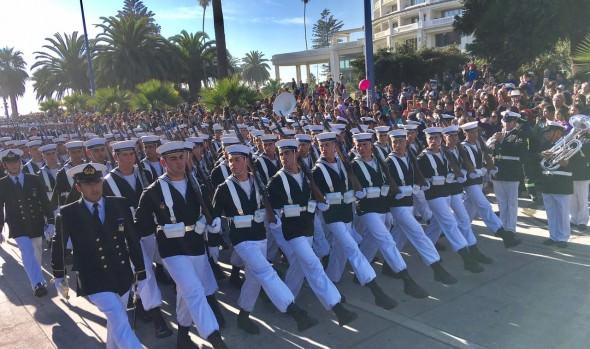 Familias viñamarinas disfrutaron primer desfile en homenaje a las Glorias Navales realizado en la comuna