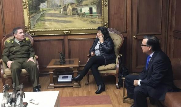 Acelerar gestiones para construir Comisaría en Forestal solicitó alcaldesa Virginia Reginato a Director General de Carabineros