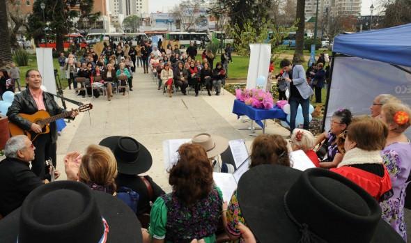 Municipalidad de Viña del Mar renueva compromiso con el buen trato a los adultos mayores