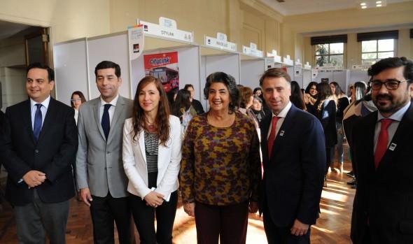 Atractivos productos ofrece la 1ª Expo Emprende AIEP Viña del Mar