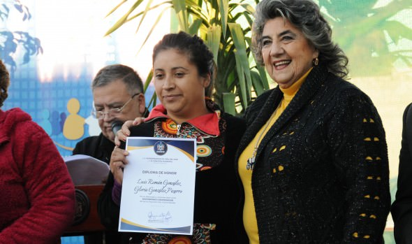Los 50 años de labor de junta de vecinos de Expresos Viña encabezó alcaldesa Virginia Reginato