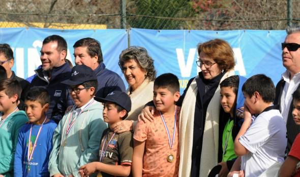 Con clínicas deportivas, niños de escuelas de fútbol de Viña del Mar fortalecen su formación