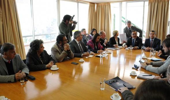 Viña del Mar y alcaldesa Virginia Reginato participan activamente en mesa regional de foro APEC Chile 2019