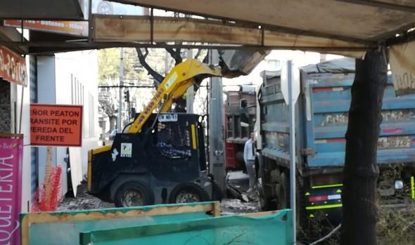 Obras de reposición de aceras avanzan en el centro de Viña del Mar