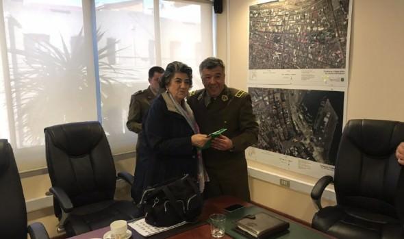 Alcaldesa Virginia Reginato destaca encuentro de trabajo con General de V zona de Carabineros