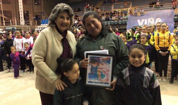Gimnastas de la región y del país se lucieron en 7º encuentro realizado en gimnasio polideportivo de Viña del Mar