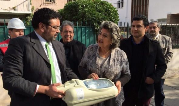 Municipio de Viña del Mar potencia seguridad en población Vergara con mejoramiento de nuevas luminarias