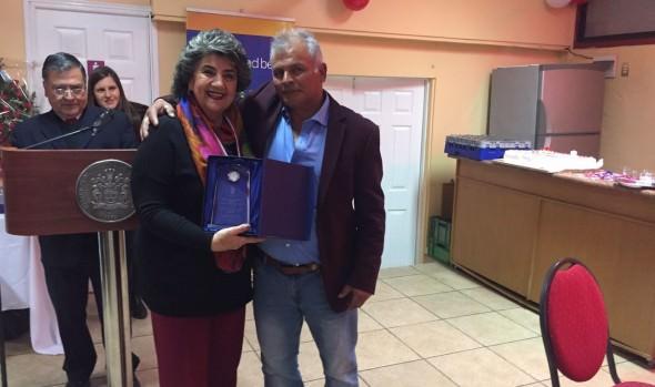 Quehacer de trabajadores del Cementerio Santa Inés fue reconocido por alcaldesa Virginia Reginato