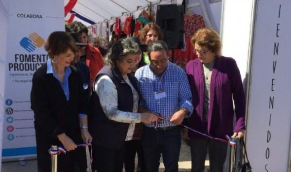 Atractivos productos dieciocheros ofrece Feria costumbrista en Viña del Mar