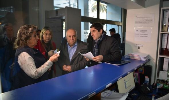 Autoridades provinciales y comunales interponen denuncia por extracción ilegal de áridos en estero Marga Marga