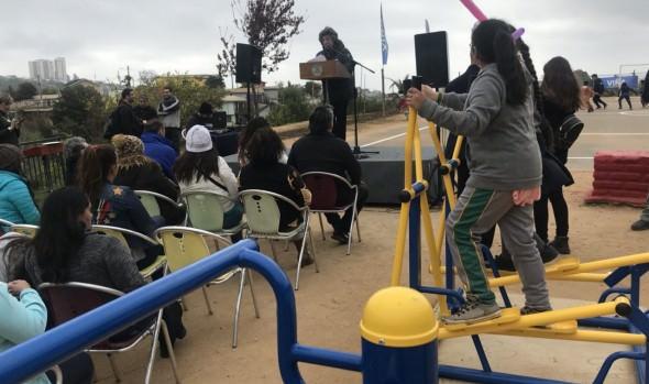 Municipio de Viña del Mar implementa máquinas de ejercicios en Plaza San Expédito de Forestal Alto