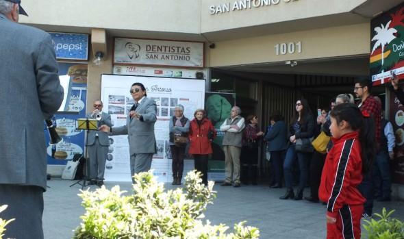 Vecinos de calle San Antonio pueden ver exposición patrimonial sobre su sector en galería del barrio