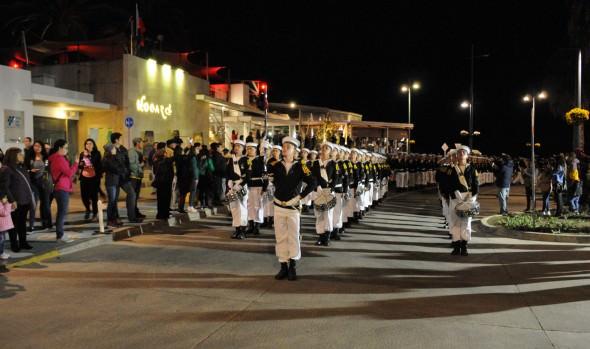 Viñamarinos y visitantes disfrutaron de desfile de la Armada en Viña del Mar