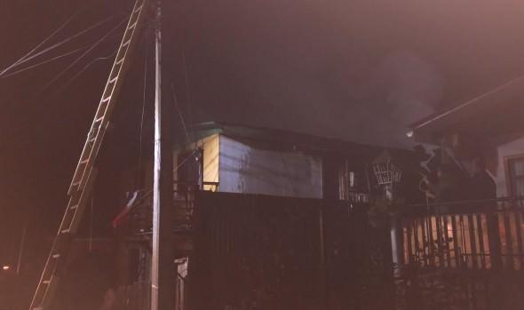 Municipio de Viña del Mar brinda ayuda a familias afectadas por incendio de Santa Julia
