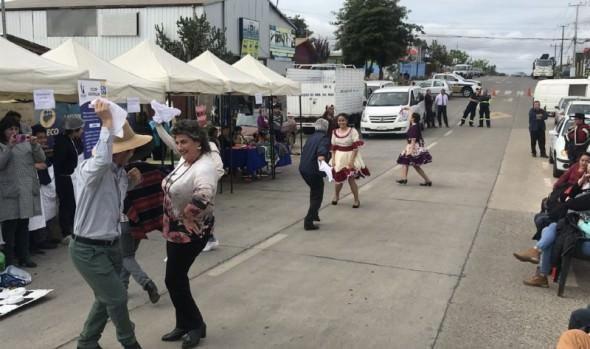 Vecinos de Achupallas clausuran Mes de la Patria con actividad comunitaria organizada por Municipio en tu Barrio