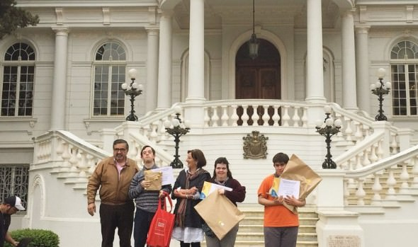 Municipio de Viña del Mar premió a ganadores de 8° certamen inclusivo de pintura