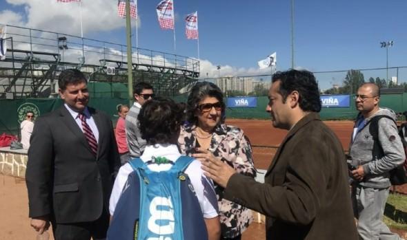 Futuras figuras del tenis mundial  participan en torneo COSAT en Viña del Mae