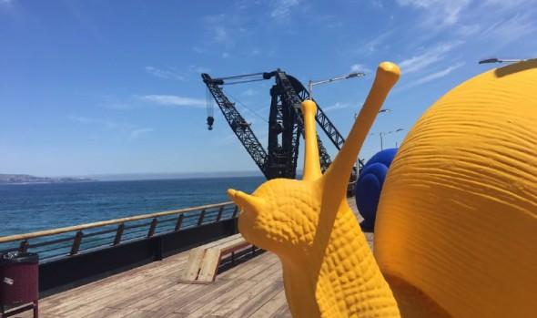 Muelle Vergara de Viña del Mar se llena de color con caracoles gigantes