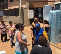Municipio de Viña del Mar entregó ayuda de emergencia a afectados por incendio de Forestal   La entrega inmediata de ayuda social de primera necesidad consistente en alimentos, frazadas y colchones dispuso la alcaldesa Virginia Reginato, para las familias