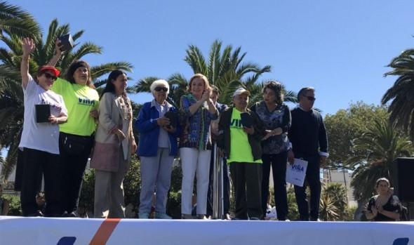 En Viña del Mar se lanza programa nacional de talleres gratuitos en plazas y parques para adultos mayores