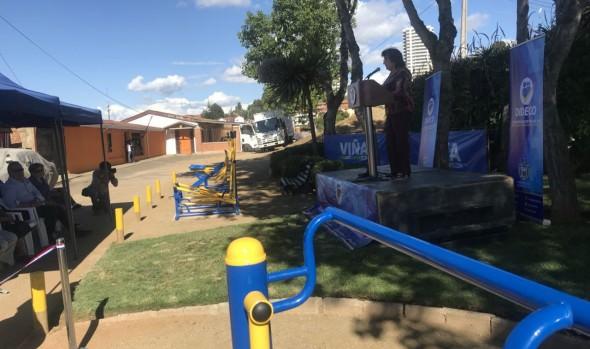 Municipio de Viña del Mar implementa máquinas para ejercicios en plaza Vista Mar de Nueva Aurora