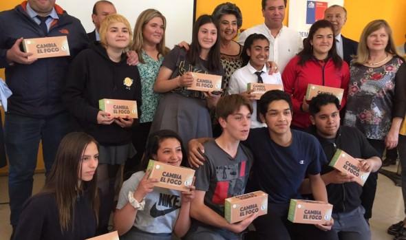 Comunidad escolar del Liceo Bicentenario de Viña del Mar se educa en uso eficiente de la energía