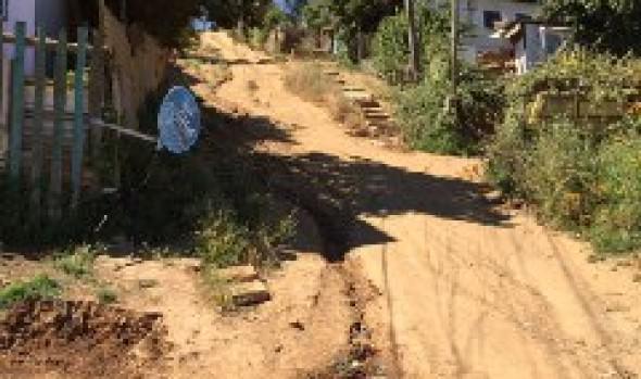 Campamento Manuel Bustos avanza en proceso de urbanización con obra de confianza de escalera Huasco