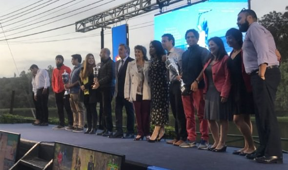 """Municipio premió a ganadores de IX Olimpiada interempresas y servicios públicos """"Viña ciudad del deporte"""""""