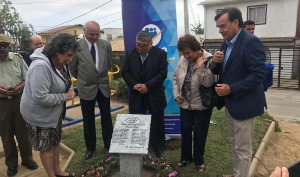 """Municipio de Viña del Mar y comunidad inauguraron plaza en homenaje a dirigente vecinal """"Pedro Vera"""" en Miraflores Alto"""