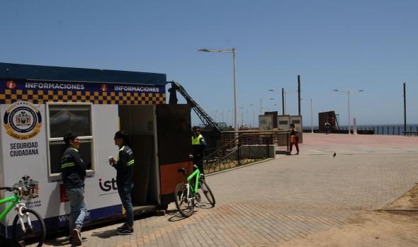 Municipio refuerza señalética de seguridad en el Muelle Vergara