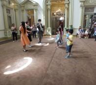 """Taller """"Al compás con los Rioja"""" hace a los niños conocer música y bailes como el vals y el charleston en Viña del Mar"""
