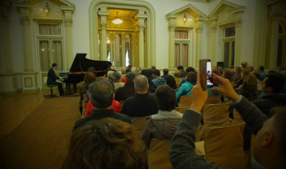 Concierto gratuito de piano interpretará música de conocidas películas en el Palacio Rioja
