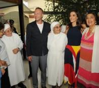 Animadores del Festival de Viña del Mar participaron en ameno encuentro con adultos mayores