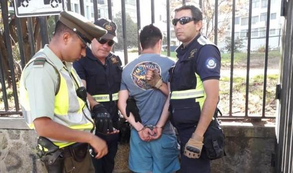 Funcionarios  de Seguridad Ciudadana de Viña del Mar reducen a individuo que había robado celular