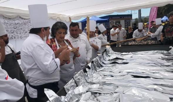 Miles de personas degustaron de paella a la chilena en borde costero de Viña del Mar