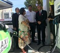 Primer taxi básico eléctrico de la región debuta en Viña del Mar