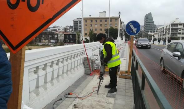 Municipio de Viña del Mar inicia reparación de aceras en puentes Villanelo, Ecuador y Casino