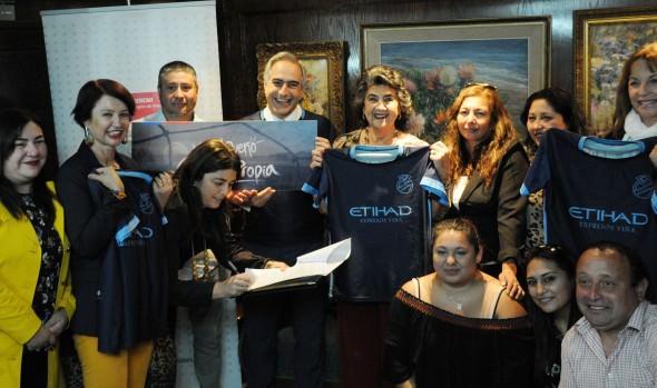 Municipio de Viña del Mar recibe concesión de terreno para que club deportivo cuente con cancha de fútbol