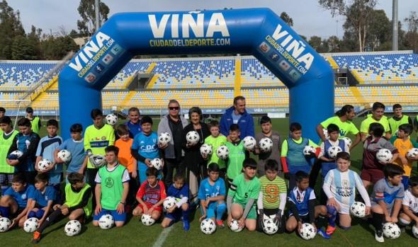 Municipio implementa nuevo programa para promover la práctica del fútbol en los menores