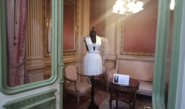 """Museo Palacio Rioja inauguró muestra """"Vestuario Editorial"""" en su 40º aniversario"""