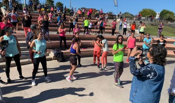Municipio de Viña del Mar invita a participar de la Expo & Fitness para celebrar el mes de la mamá